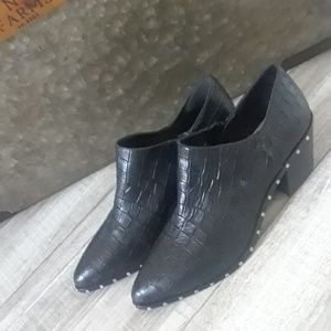 1.STATE...BLACK STUDDED BOOTIES..